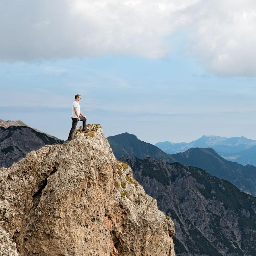 Blick vom Berggipfel in die Zukunft
